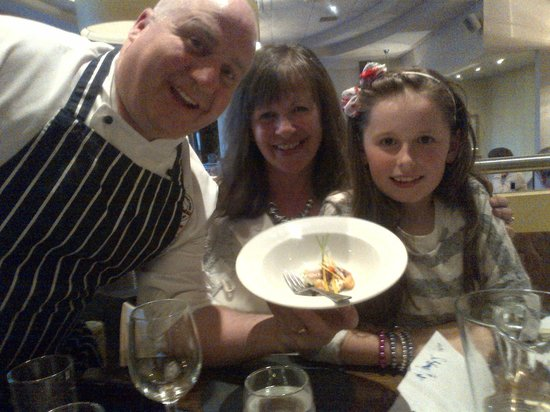 Gardiners Restaurant: Chef Sean Owen showing off an excellent show of culinary skill