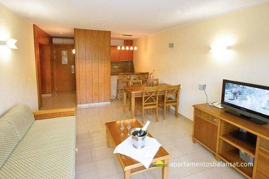 Balansat Apartamentos Prestige: Dining Room