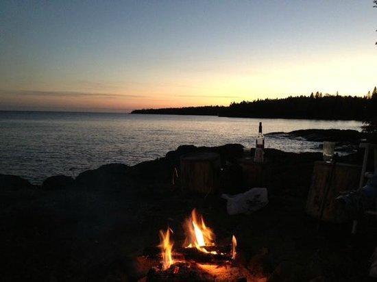 Grand Superior Lodge: Private sunset bonfire on the lava rock.