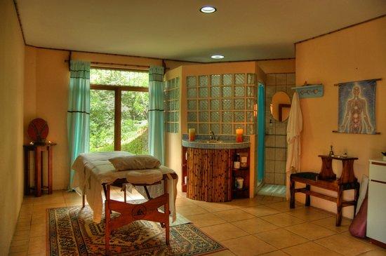 Amatierra Retreat and Wellness Center : 1 Massage Room