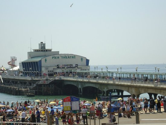 Luckford Wood House: Bournemouth Pier is only a 25-30 minute drive away.