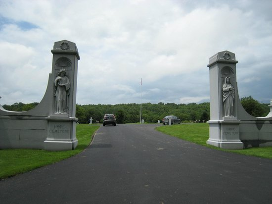 Entrance to Hope Cemetery