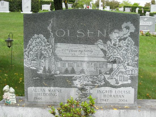 """Hope Cemetery: I love this one very much.  """"I love my family"""" written on it"""
