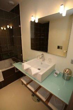 Mandara Beach Hotel : Salle de Bain Suite Family