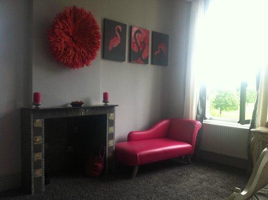 Maison de Plumes: Flamingo room