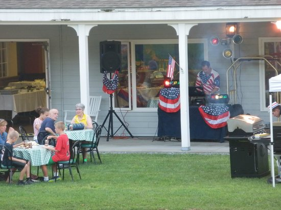 Holiday Inn Club Vacations Mount Ascutney Resort: 4th of July BBQ