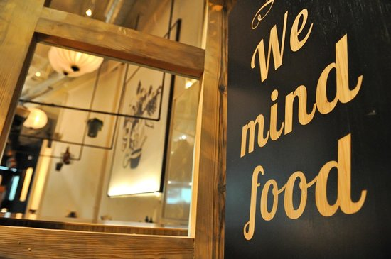 La Vietnamita Born: We mind food