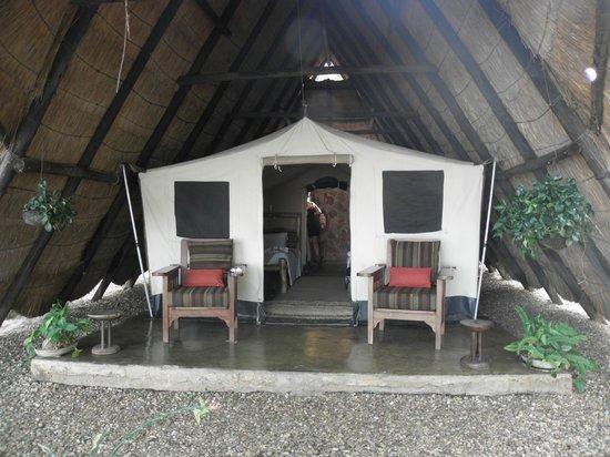 Musango Safari Camp: Zelte von aussen