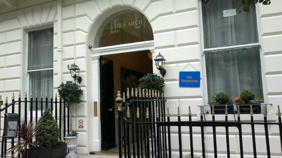 Marble Arch - Gloucester Place Hotel: Porta ingresso