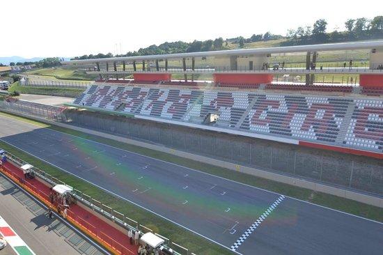 Autodromo del Mugello: Rettilineo partenza