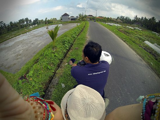 Indira Cottage: Gusti touring me around Ubud