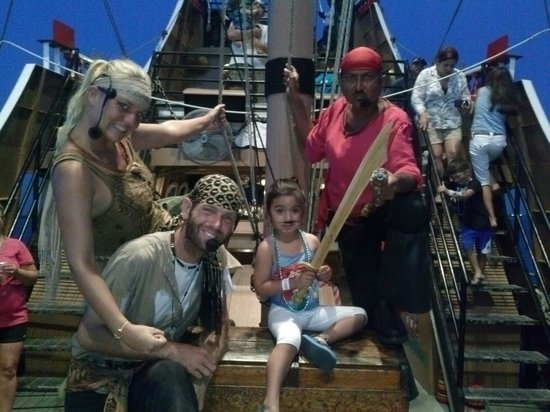 Black Dragon Cruises: Pirate Ship Pirates on board...my little one loved it!