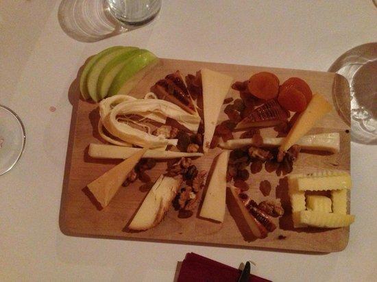 Bodrum Winehouse: Cheese platter
