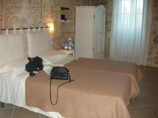 B&B Arnolfo: 4ple room - twin beds