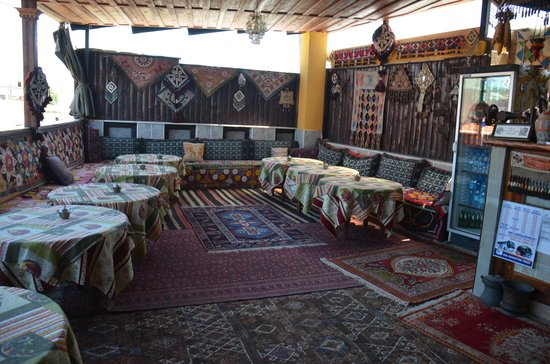 Homeros Pension & Guesthouse: dining room terrace area