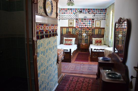 Homeros Pension & Guesthouse: one of the twin bedrooms