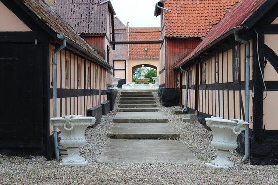 Dejligt badeværlse - Billede af Skrobelev Gods Manor House, Rudkøbing - TripAdvisor