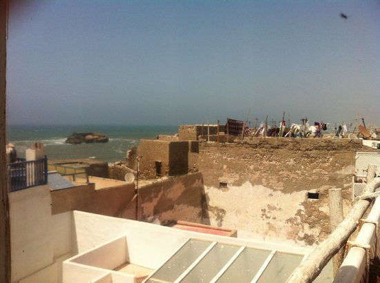 Riad Lunetoile: Sea view from the terrace