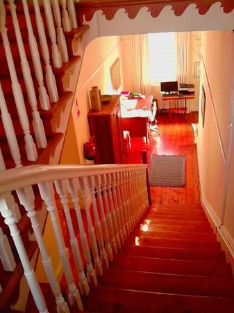 St. Phillips Bed and Breakfast: Stair case