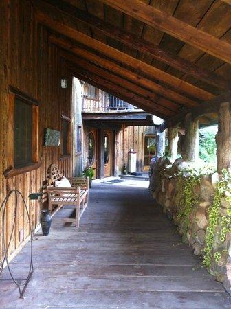 Inn Paradiso: walkway