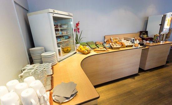 Kyriad Grenoble Sud - Eybens - Parc Des Expositions : buffet petit-déjeuner