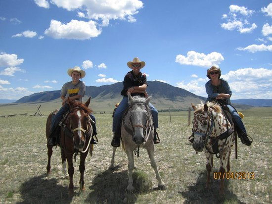 Vee Bar Guest Ranch: On the Range