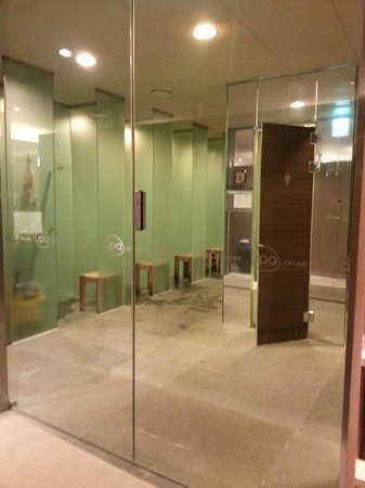 Shower cubicles on the left, Soak pool beyond - Picture of Spa On ...