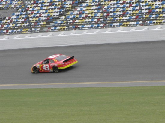 Richard Petty Driving Experience: Out on the track at 150 MPH!