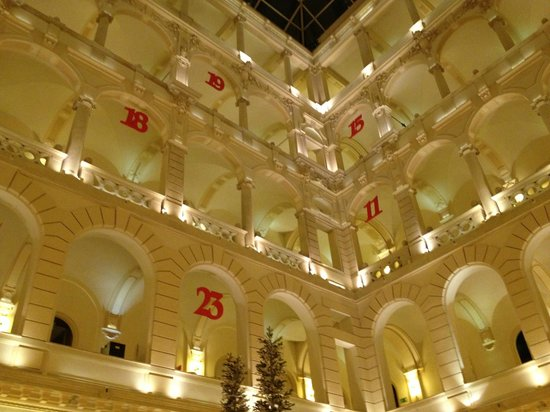 New York Palace Budapest: Vista dalla hall