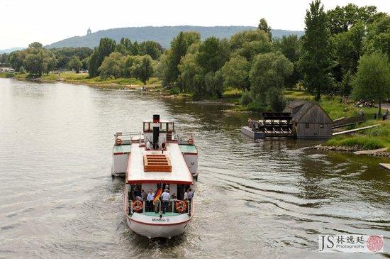 Минден, Германия: Schiffsmühle mit Raddampfer