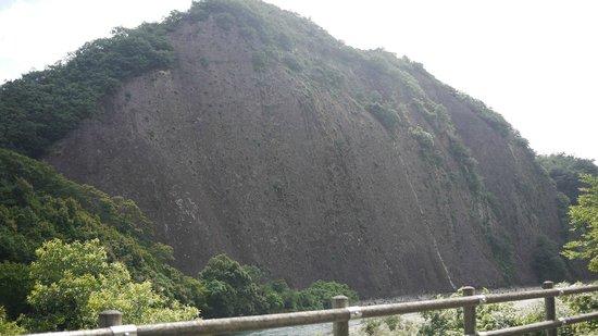 Ichimai-iwa