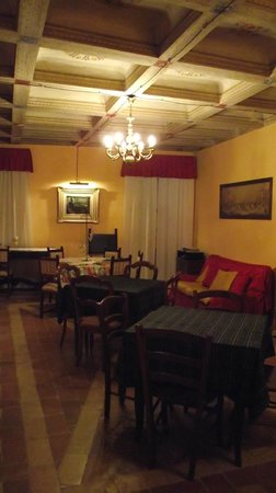 Bed and Breakfast Montelupone: Parte del comedor