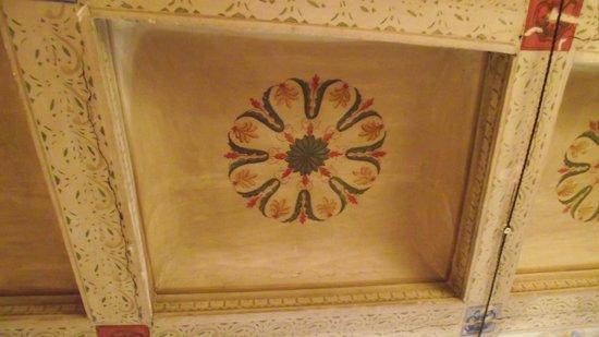 Bed and Breakfast Montelupone: Detalle de las pinturas originales del cielorraso