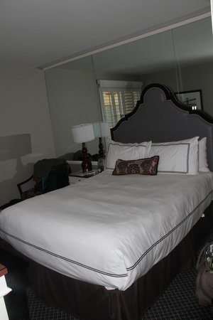 BEST WESTERN PLUS The Tuscan: Good bed