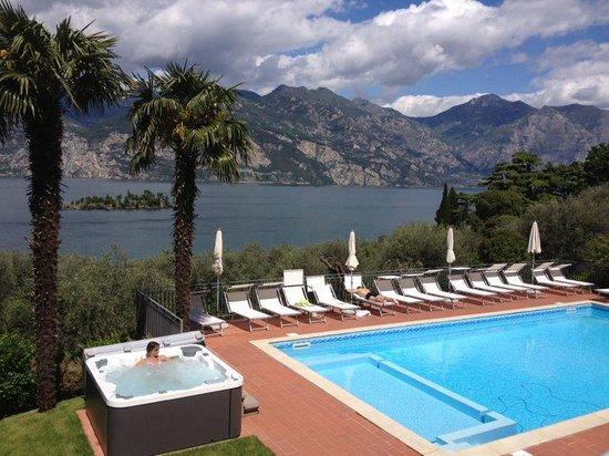 Hotel Roma Aparthotel: vista su piscina e idro