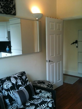 Clifton Serviced Apartments: Kitchen/diner