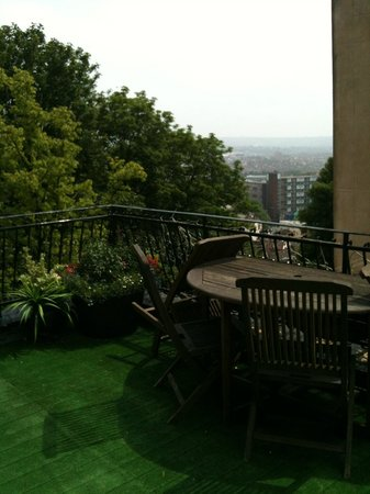 Clifton Serviced Apartments: Roof terrace
