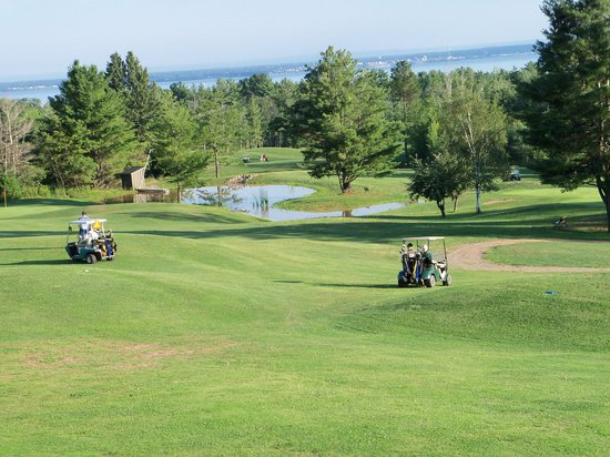 ‪Lake Superior View Golf Course‬