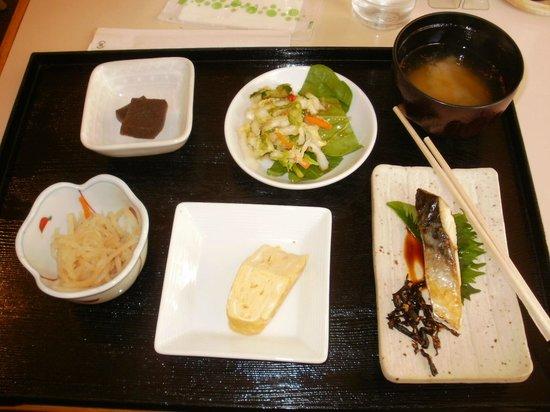 Shin-Osaka Station Hotel: Japanese breakfast option