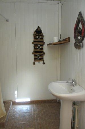 Rahayeb Desert Camp: Attached bathroom