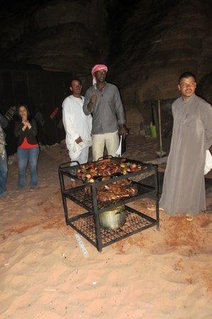 Rahayeb Desert Camp: Erdofen