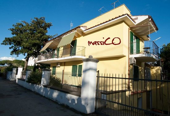 Bed and Breakfast Massico: Esterno Bed And Breakfast