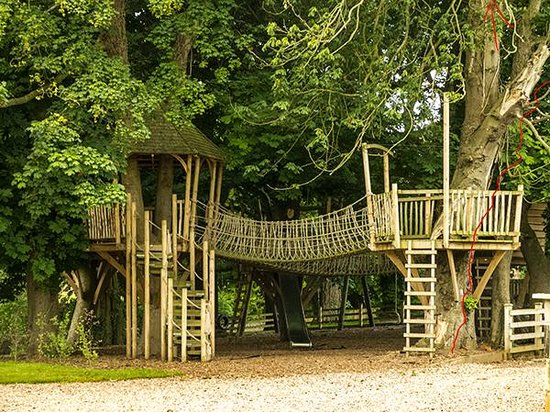 Ellingham Hall: Treehouse playground