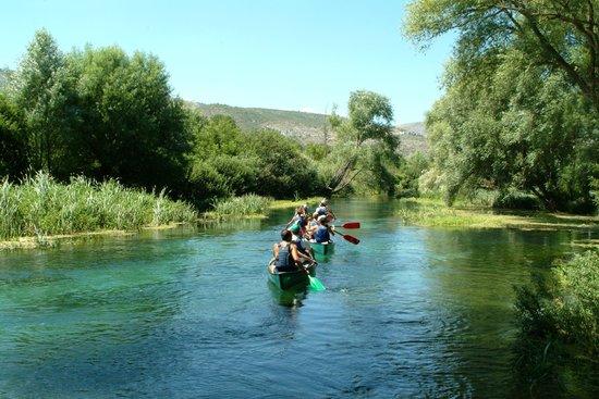 Capestrano, إيطاليا: canoe Tirino