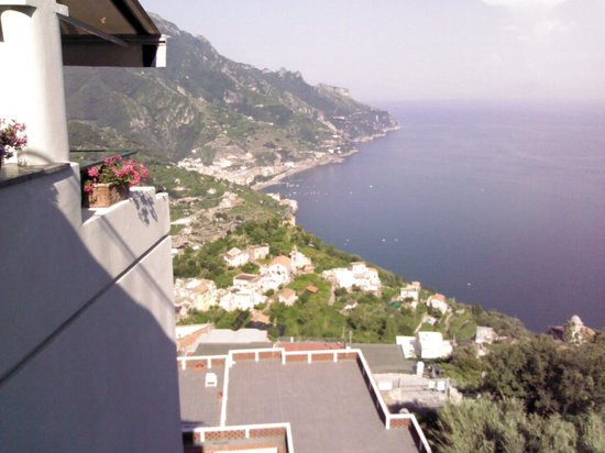 ‪‪Graal Hotel Ravello‬: View from lounge‬