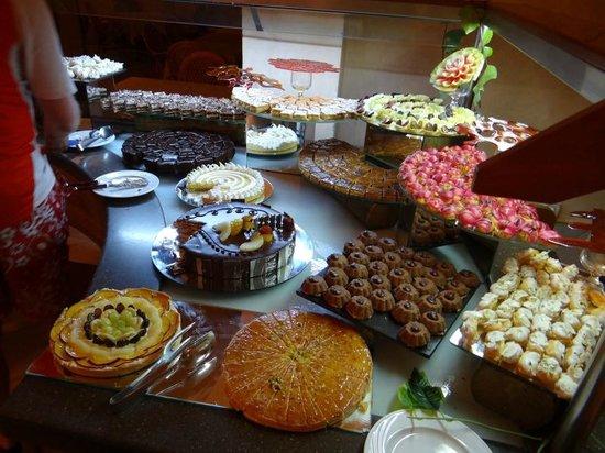 Korba, Tunisien: Il buffet dei dolci