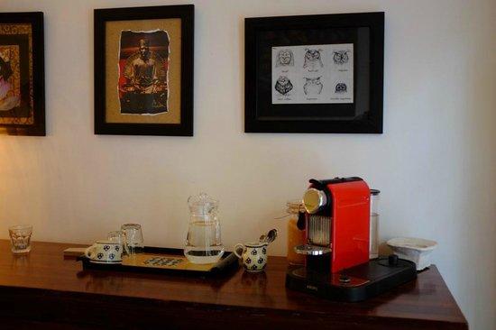 Viethouse Hanoi : Nespresso machine in Lobby