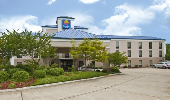 Comfort Inn: Located off of Interstate 20 and Pearson Road in Pearl