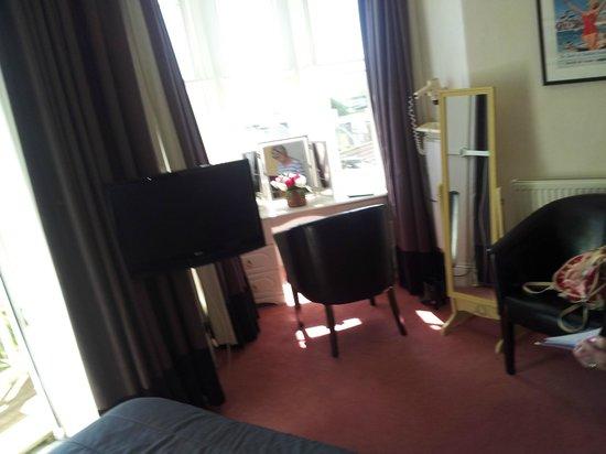 Queenswood Hotel: room 1