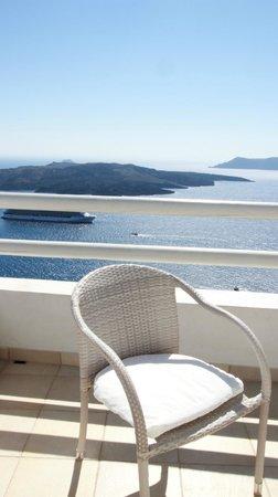 Adamant Suites: Balcony
